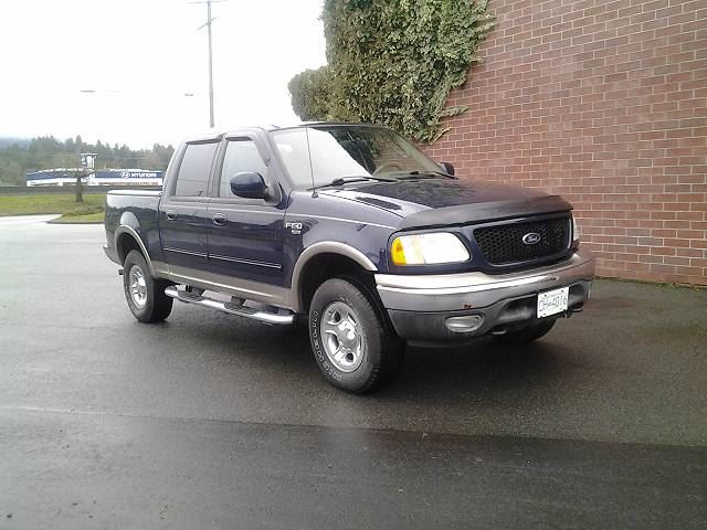 2003 FORD F-150 XLT SuperCrew 4WD in Koksilah, British Columbia