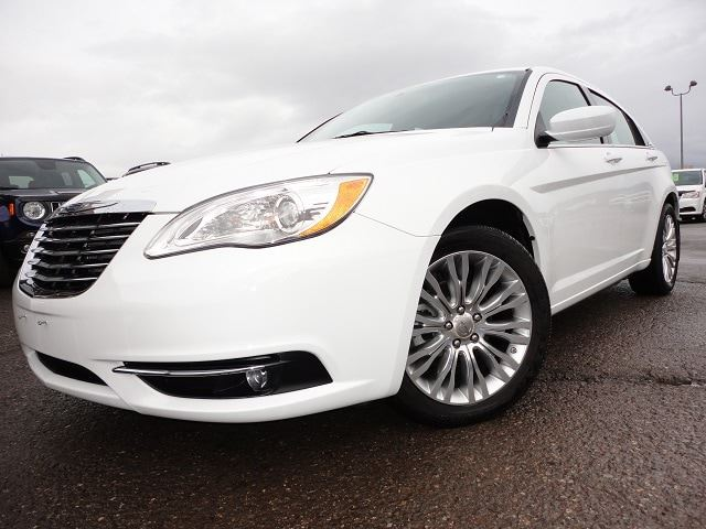 2012 CHRYSLER 200 Touring in Smithers, British Columbia