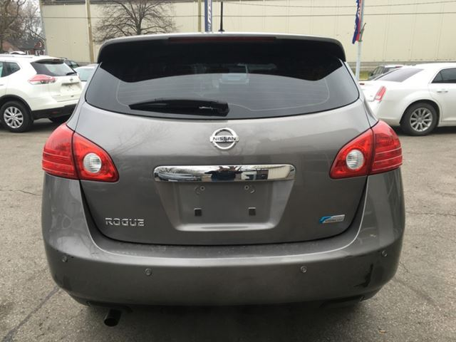 2012 nissan rogue s edition cvt all power fuel efficient kitchener ontario used car for sale. Black Bedroom Furniture Sets. Home Design Ideas