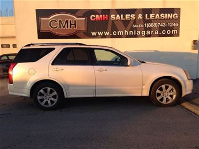 2006 cadillac srx v8 awd 7 pass leath roof bose certified. Black Bedroom Furniture Sets. Home Design Ideas