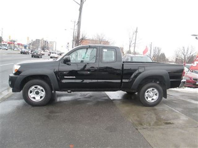 2011 toyota tacoma v6 awd black toronto quality motors. Black Bedroom Furniture Sets. Home Design Ideas
