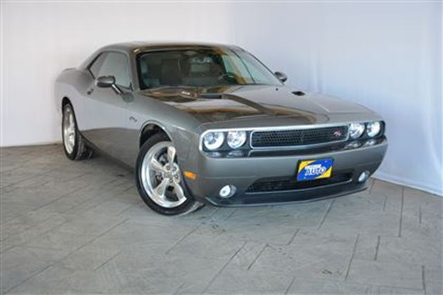 2011 dodge challenger r t classic with leather moonroof milton ontario used car for sale. Black Bedroom Furniture Sets. Home Design Ideas
