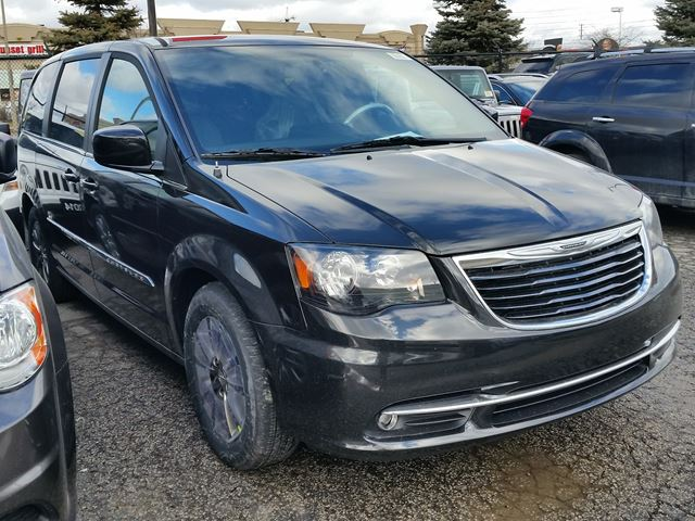 2016 chrysler town and country s vaughan ontario car for sale 2397391. Black Bedroom Furniture Sets. Home Design Ideas