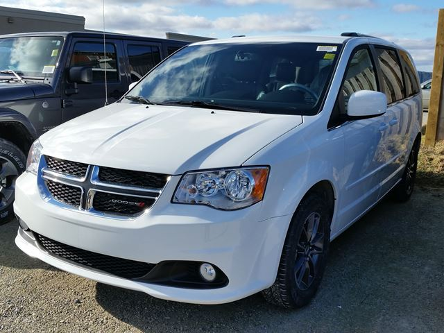 2016 dodge grand caravan sxt premium plus white hunt chrysler new car. Black Bedroom Furniture Sets. Home Design Ideas