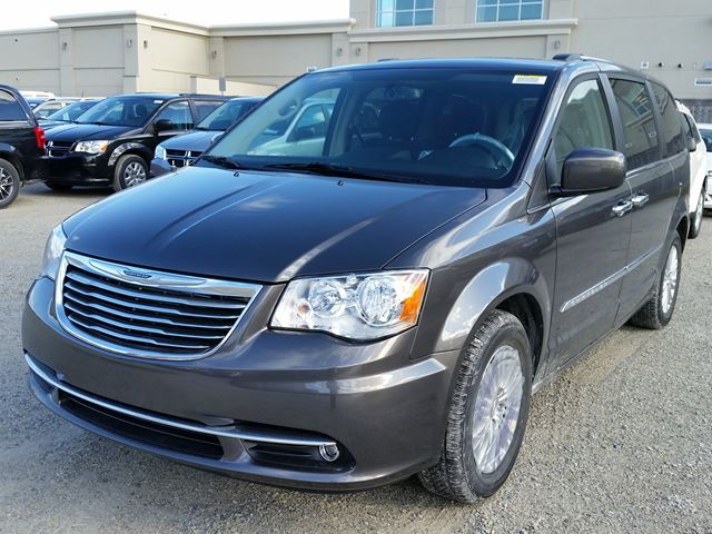 2016 chrysler town and country premium milton ontario new car for sale 2400064. Black Bedroom Furniture Sets. Home Design Ideas