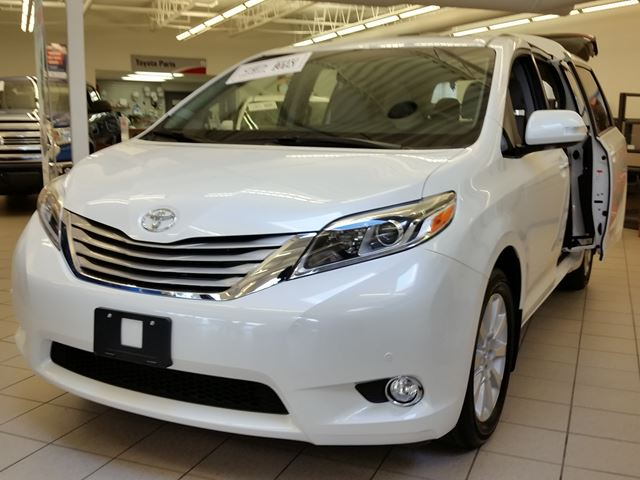 2015 toyota sienna xle limited white erin park toyota new car. Black Bedroom Furniture Sets. Home Design Ideas