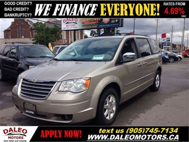 2009 chrysler town country touring 7 seater sunroof beige daleo motors. Black Bedroom Furniture Sets. Home Design Ideas