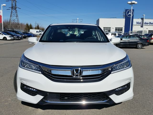 2016 honda accord touring whitby ontario car for sale 2411801. Black Bedroom Furniture Sets. Home Design Ideas