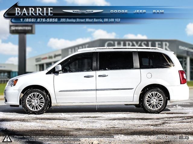 2015 chrysler town and country touring l barrie ontario used car for sale 2410956. Black Bedroom Furniture Sets. Home Design Ideas