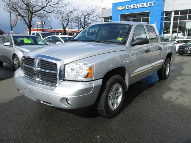 2005 DODGE DAKOTA SLT in Victoria, British Columbia