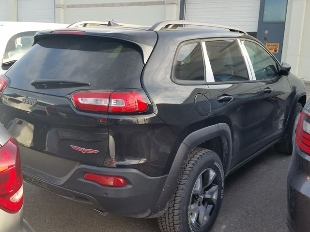 2016 jeep cherokee trailhawk 4x4 vaughan ontario car for sale 2411098. Black Bedroom Furniture Sets. Home Design Ideas