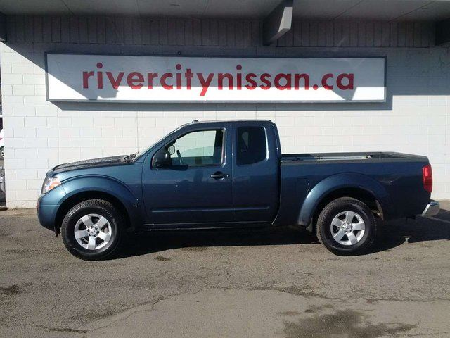2013 nissan frontier sv king cab 4x4 kamloops british columbia used car for sale 2411167. Black Bedroom Furniture Sets. Home Design Ideas