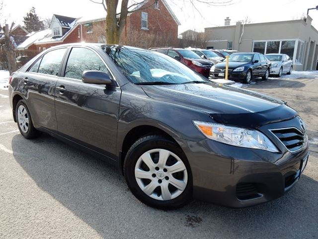 2011 toyota camry le one owner loaded new tires gray. Black Bedroom Furniture Sets. Home Design Ideas