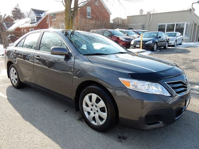 used 2011 toyota camry le one owner loaded new tires in. Black Bedroom Furniture Sets. Home Design Ideas