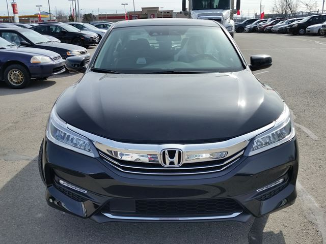 2016 honda accord touring whitby ontario car for sale 2411824. Black Bedroom Furniture Sets. Home Design Ideas
