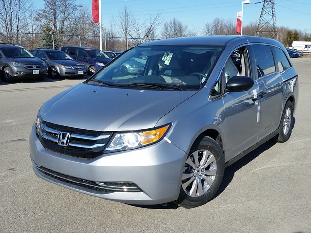 2016 honda odyssey se silver whitby oshawa honda new car. Black Bedroom Furniture Sets. Home Design Ideas