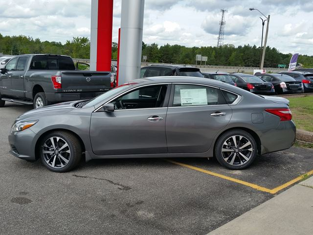 2016 nissan altima 2 5 sr grey for 29633 in orillia. Black Bedroom Furniture Sets. Home Design Ideas
