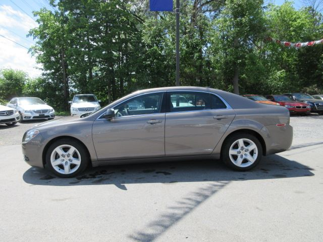 used 2011 chevrolet malibu ls loaded a c only 52k stittsville. Black Bedroom Furniture Sets. Home Design Ideas