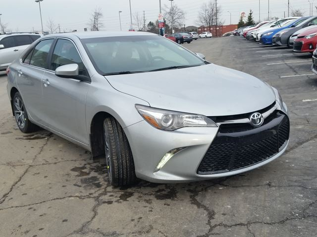 2016 toyota camry xse silver for 30505 in brampton. Black Bedroom Furniture Sets. Home Design Ideas