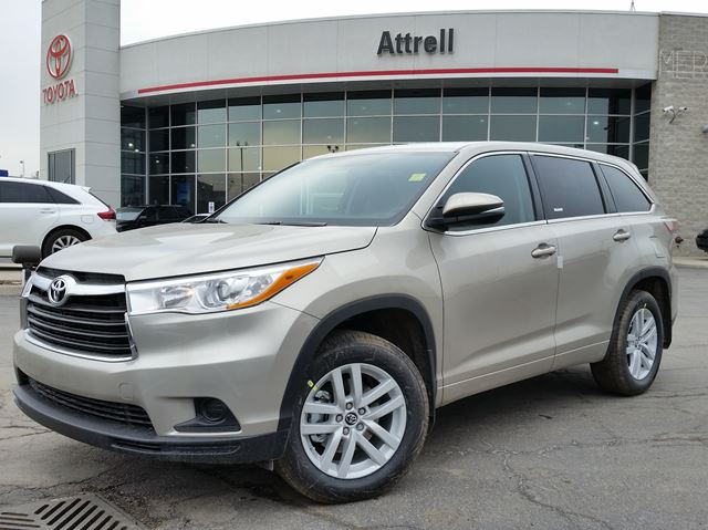 2016 toyota highlander le awd brampton ontario car for sale 2435001. Black Bedroom Furniture Sets. Home Design Ideas