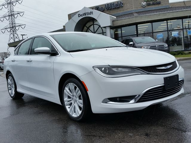 2015 chrysler 200 limited sunroof hamilton ontario used car for. Black Bedroom Furniture Sets. Home Design Ideas