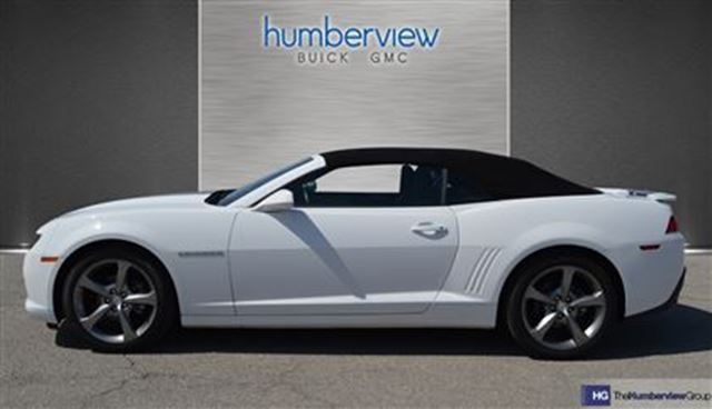 2014 chevrolet camaro 2lt convertible rs package toronto ontario used car for sale 2440424. Black Bedroom Furniture Sets. Home Design Ideas