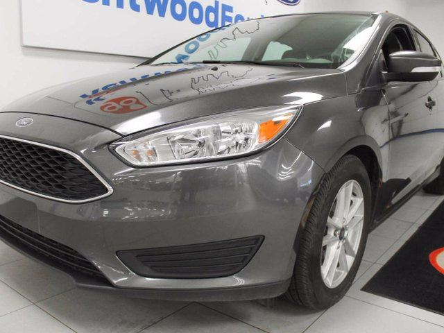 2015 ford focus se grey kentwood ford. Black Bedroom Furniture Sets. Home Design Ideas