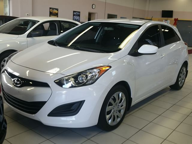 2013 hyundai elantra gt white au touch approved. Black Bedroom Furniture Sets. Home Design Ideas
