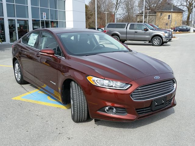 2016 ford fusion se hybrid orillia ontario new car for sale 2440484. Black Bedroom Furniture Sets. Home Design Ideas