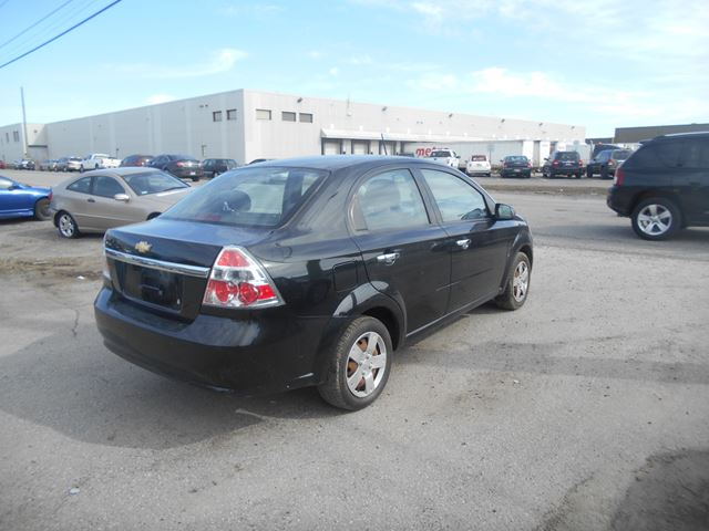 2010 chevrolet aveo lt ottawa ontario car for sale 2445646. Black Bedroom Furniture Sets. Home Design Ideas