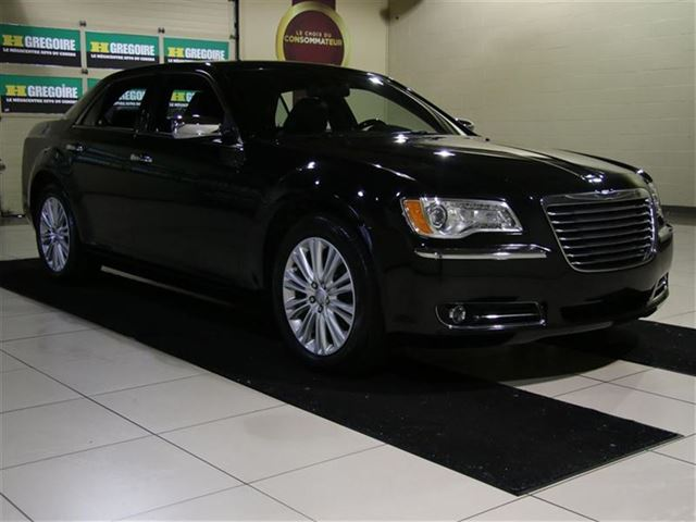 2014 Chrysler 300 C AWD CUIR TOIT NAV CAMERA RECUL MAGS in Saint-Leonard, Quebec