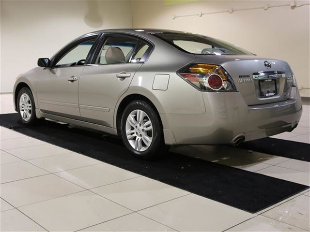 2011 nissan altima s auto toit mags a c gr n lect saint eustache quebec used car for sale. Black Bedroom Furniture Sets. Home Design Ideas
