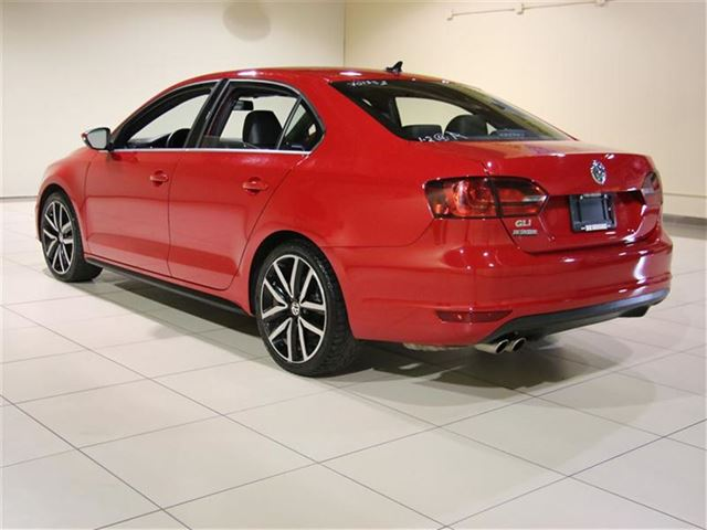 2013 volkswagen jetta gli 2 0t dsg toit mags saint. Black Bedroom Furniture Sets. Home Design Ideas