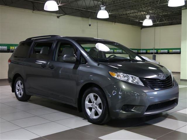 2011 Toyota Sienna 7 Passagers in Laval, Quebec