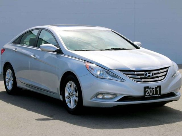 2011 hyundai sonata gls kelowna british columbia used car for sale 2447885. Black Bedroom Furniture Sets. Home Design Ideas
