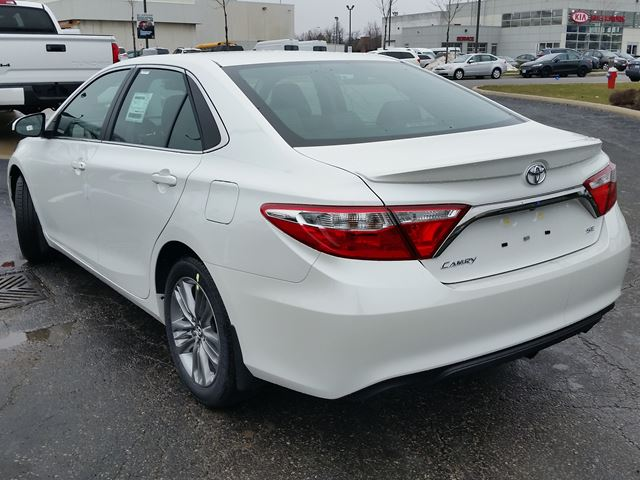 2016 toyota camry se brampton ontario car for sale 2449775. Black Bedroom Furniture Sets. Home Design Ideas