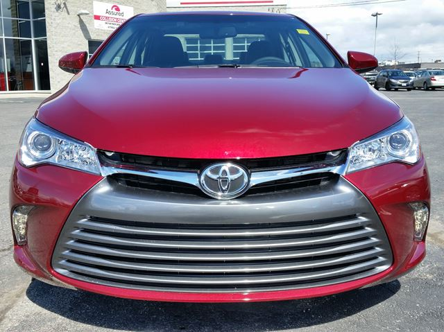 2016 toyota camry xle brampton ontario car for sale 2453427. Black Bedroom Furniture Sets. Home Design Ideas
