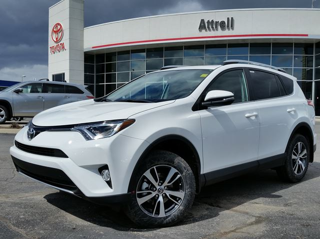 2016 toyota rav4 xle fwd brampton ontario car for sale 2453431. Black Bedroom Furniture Sets. Home Design Ideas