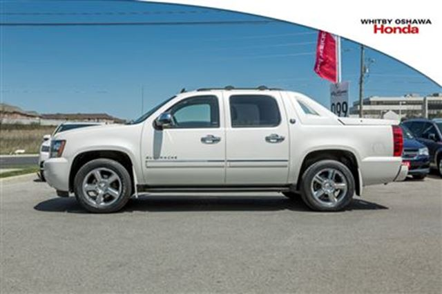 2013 chevrolet avalanche ltz black diamond whitby ontario used car for sale 2462682. Black Bedroom Furniture Sets. Home Design Ideas