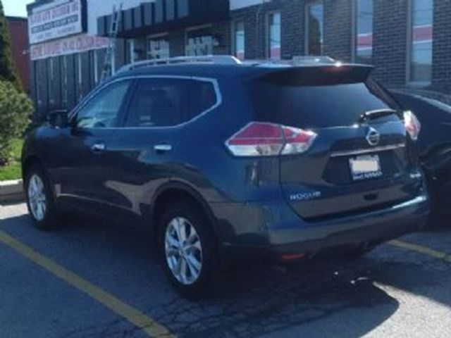 2014 nissan rogue sv awd w family tech pkg extended warranty mississauga. Black Bedroom Furniture Sets. Home Design Ideas