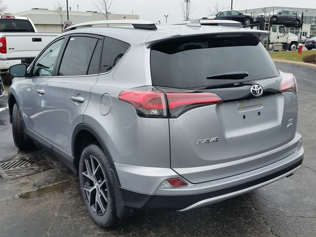 2016 toyota rav4 se awd brampton ontario car for sale 2465604. Black Bedroom Furniture Sets. Home Design Ideas