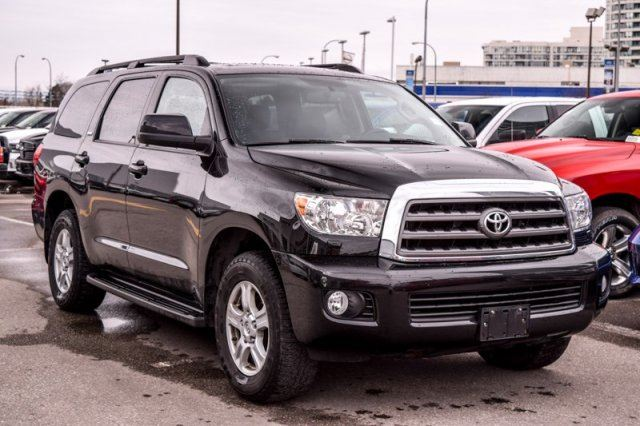 2013 toyota sequoia sr5 awd 7 seater dvd screen leather tow hitch backup cam 18alloys. Black Bedroom Furniture Sets. Home Design Ideas