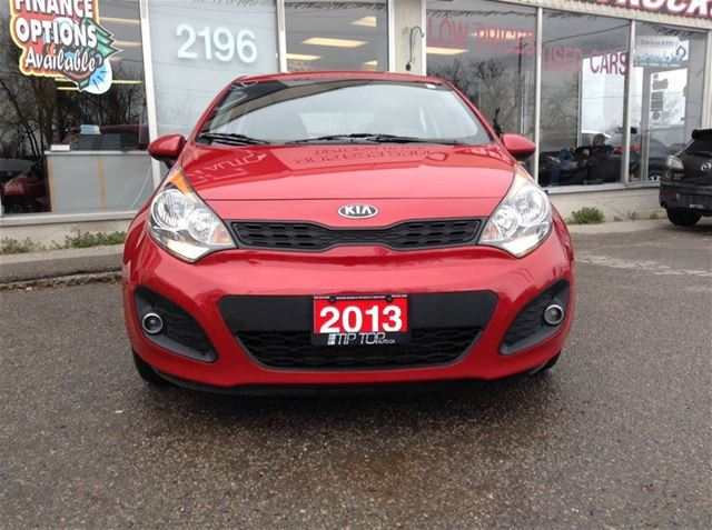 used 2013 kia rio lx eco bluetooth heated seats fuel effici for 9945 in bowmanville. Black Bedroom Furniture Sets. Home Design Ideas
