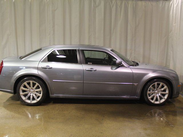 2006 CHRYSLER 300 RWD 6.1L Moonroof Leather in Vegreville, Alberta
