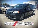 2015 Chrysler Town and Country TOURING-L - FWD, 3.6L V6 *FORMER RENTAL* FULLY LOADED w/ STOW 'N GO SEATS, LEATHER, NAV, BACKUP CAM, SUNROOF, POWER/HEATED SEATS, DUAL VIDEO MONITORS & MORE! in Toronto, Ontario