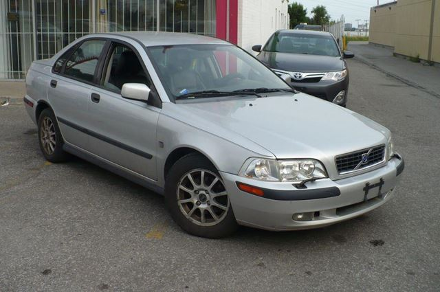 2003 Volvo S40 1.9 T  CERTIFIED & E-TESTED in Toronto, Ontario