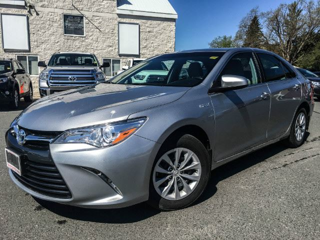 2015 toyota camry hybrid le one owner serviced here celestial silver metallic vandermeer. Black Bedroom Furniture Sets. Home Design Ideas