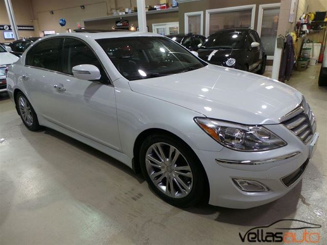 2012 hyundai genesis 3 8 technology 3 8 tech navi sunroof leather alloys vaughan ontario. Black Bedroom Furniture Sets. Home Design Ideas