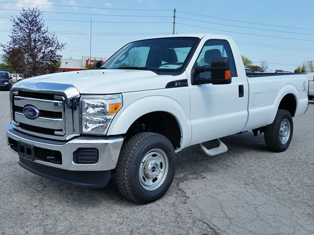 2015 ford super duty f 250 xl longbox 4x4 white bennett auto sales our london. Black Bedroom Furniture Sets. Home Design Ideas