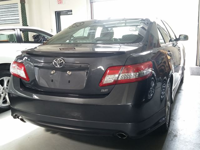 2010 toyota camry toronto ontario car for sale 2487307. Black Bedroom Furniture Sets. Home Design Ideas